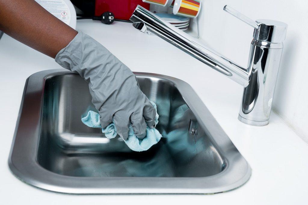 επαγγελματικό συνεργείο καθαρισμού