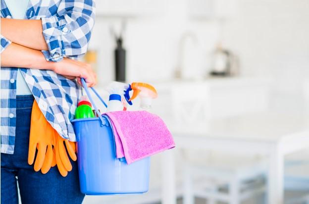 καθαρσιμός σπιτιού από συνεργείο καθαρισμού